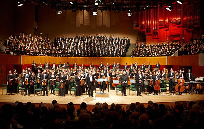 war-requiem-orchestra-and-chorus