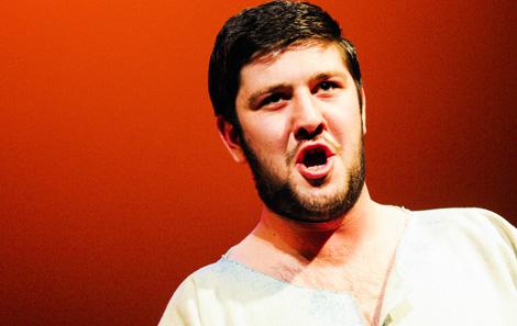 Emyr Wyn Jones sang Y Bardd for Prince Charles