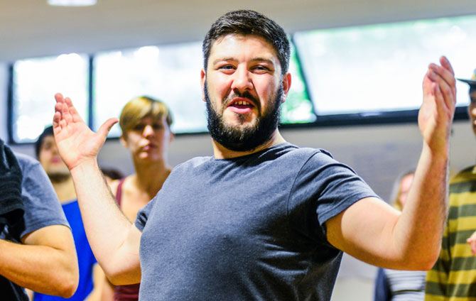 Emyr Wyn Jones in rehearsal as Falstaff