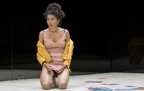 thalissa-teixeira-des-in-yerma-at-the-young-vic-photo-by-johan-persson