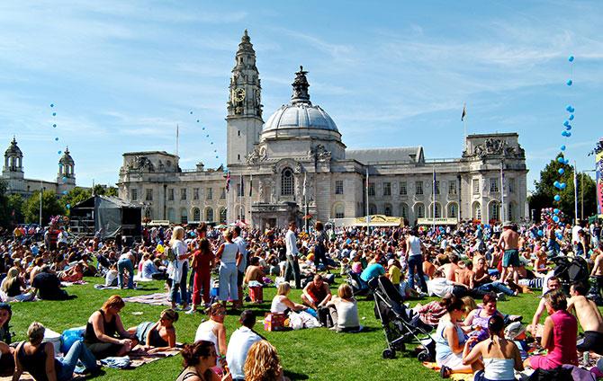 Cardiff-City-Hall